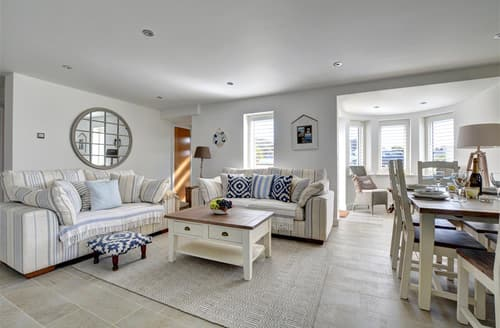 Last Minute Cottages - Attractive Constantine Bay Apartment S50035