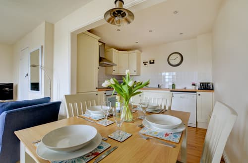 Last Minute Cottages - Attractive Padstow Town Cottage S77063