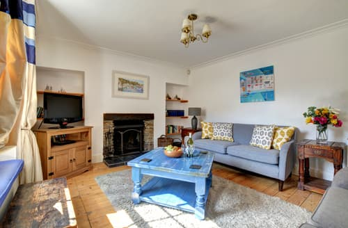 Last Minute Cottages - Attractive Padstow Cottage S43015