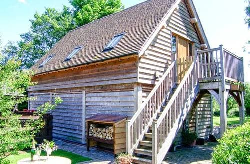 Last Minute Cottages - Cosy Shrewsbury Wagonshed S2964