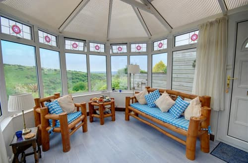 Last Minute Cottages - Quaint Tintagel Cottage S42910