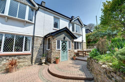 Last Minute Cottages - Bro Tref House