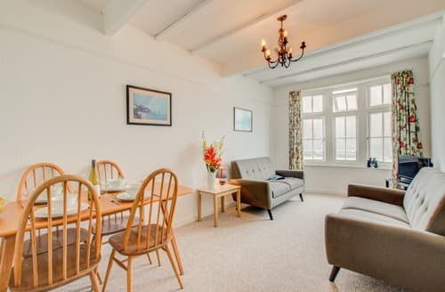 Last Minute Cottages - Beautiful St Ives Carbis Bay Lelant Apartment S43902