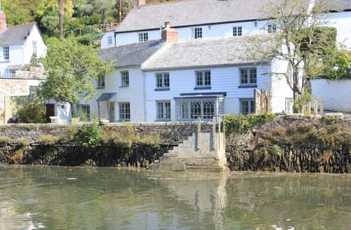 Last Minute Cottages - Adorable Helford Cottage S93090