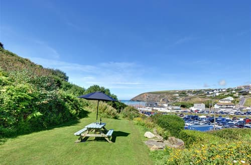 Last Minute Cottages - Stunning Mawgan Porth Cottage S42996