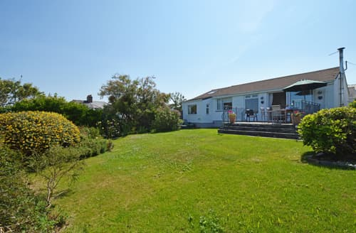 Last Minute Cottages - Curlews, Trevone