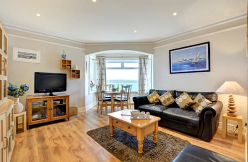 Last Minute Cottages - Quaint Padstow Apartment S42932