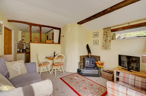 Last Minute Cottages - Cosy Looe Cottage S86120