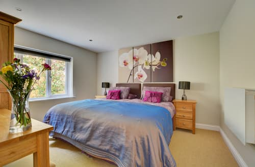 Last Minute Cottages - Lovely St Merryn Cottage S80016