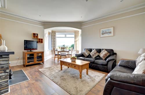 Last Minute Cottages - Charming Padstow Apartment S42912