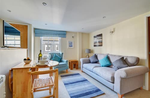 Last Minute Cottages - Lovely Padstow Apartment S42999