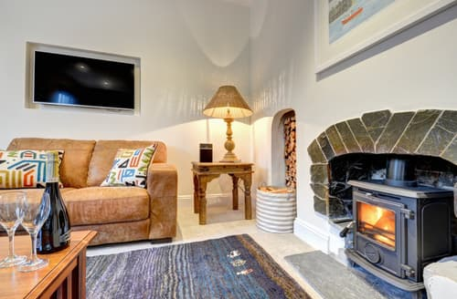 Last Minute Cottages - Attractive Fowey Apartment S96955
