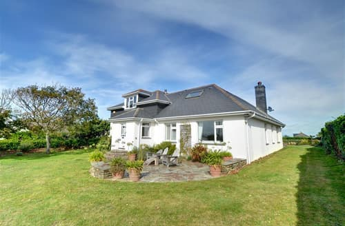 Last Minute Cottages - Charming Constantine Bay Cottage S42804