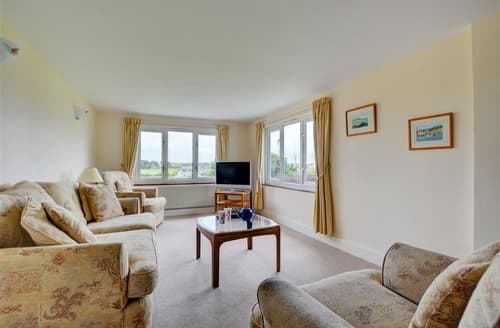 Last Minute Cottages - Wonderful St Merryn Apartment S59734