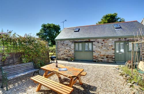 Last Minute Cottages - Inviting Camelford Cottage S42743