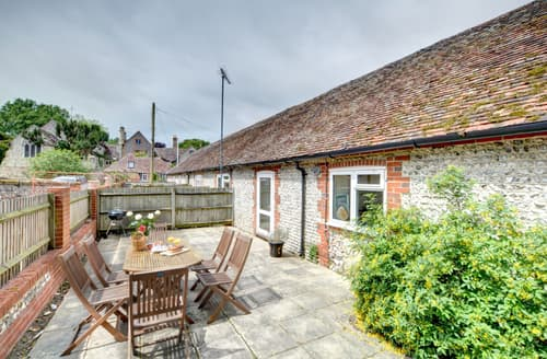 Last Minute Cottages - Beautiful Storrington Cottage S81495