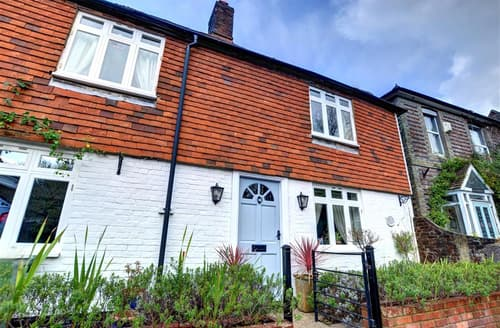 Last Minute Cottages - Excellent Robertsbridge Cottage S42556