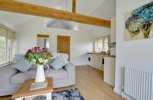 Last Minute Cottages - Charming Mersham Cottage S50039