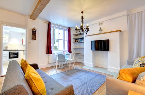 Last Minute Cottages - Attractive Brighton Apartment S105331