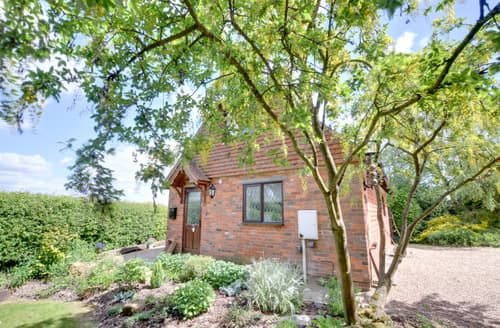 Last Minute Cottages - Barclay Farmhouse Cottage