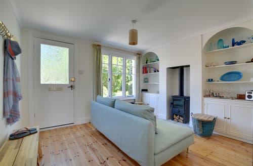 Last Minute Cottages - Delightful  Cottage S81593