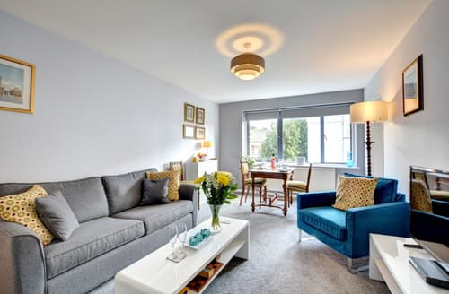 Last Minute Cottages - Tasteful Brighton Apartment S79555