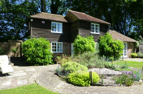 Last Minute Cottages - Gorgeous Barham Cottage S93991