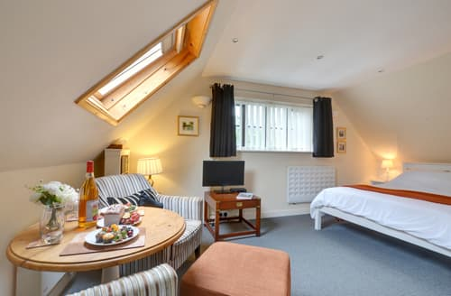 Last Minute Cottages - Stunning Tenterden Apartment S10450