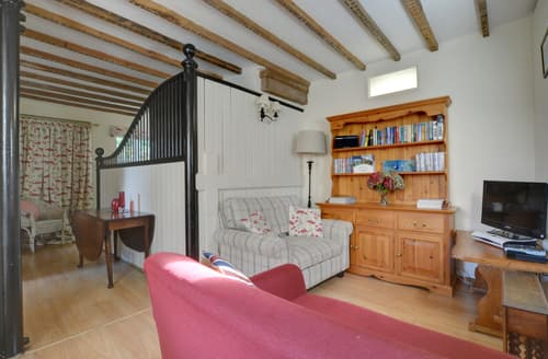 Last Minute Cottages - Firs Coach House