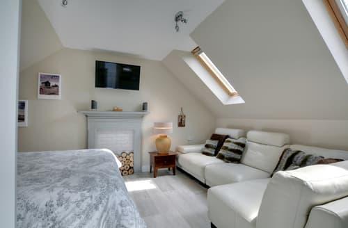 Last Minute Cottages - Adorable Rye Harbour Apartment S98354
