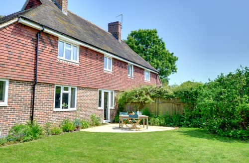 Last Minute Cottages - Beautiful Tenterden Rental S10333