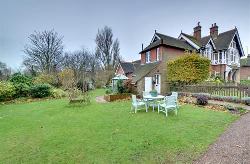 Last Minute Cottages - Tasteful Hythe Cottage S73168