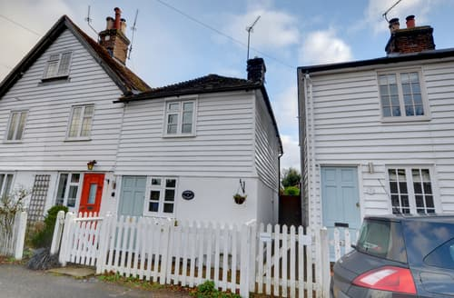 Last Minute Cottages - Luxury Hawkhurst Cottage S89193