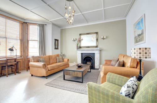 Last Minute Cottages - Delightful Hove Apartment S40534
