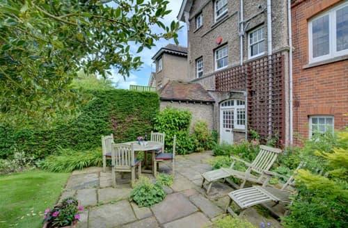 Last Minute Cottages - Garden Flat
