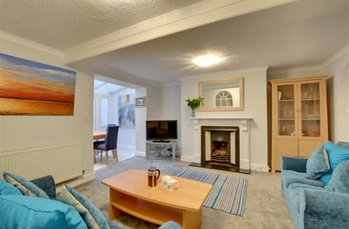 Last Minute Cottages - Splendid Hove Apartment S12660