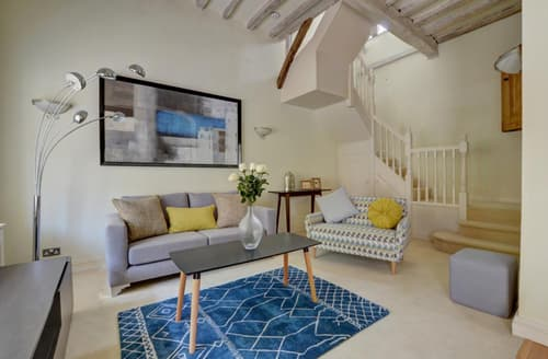 Last Minute Cottages - 3 Stable Mews