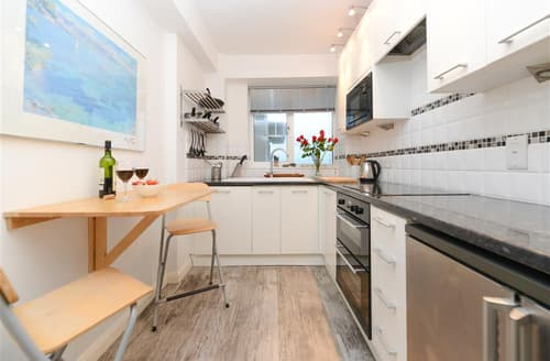 Last Minute Cottages - Gorgeous Rottingdean Apartment S12664