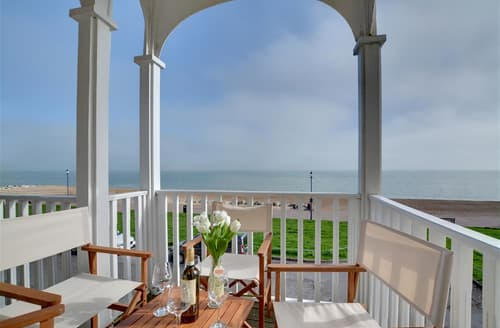 Last Minute Cottages - Beautiful Hythe Apartment S79746