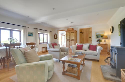Dog Friendly Cottages - Charming Wadhurst Lodge S84353
