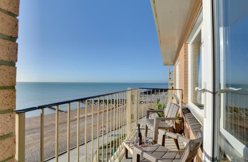Last Minute Cottages - Beautiful Rottingdean Rental S12656