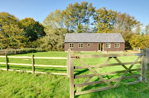 Last Minute Cottages - Lower Chessenden Stables