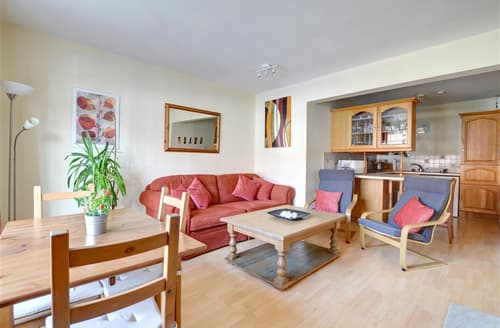 Last Minute Cottages - Exquisite Cranbrook Apartment S10312