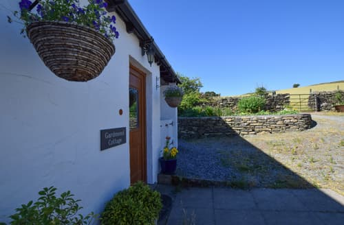 Last Minute Cottages - Garden End Cottage
