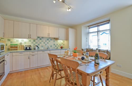 Last Minute Cottages - Cosy Bowness On Windermere Apartment S85891