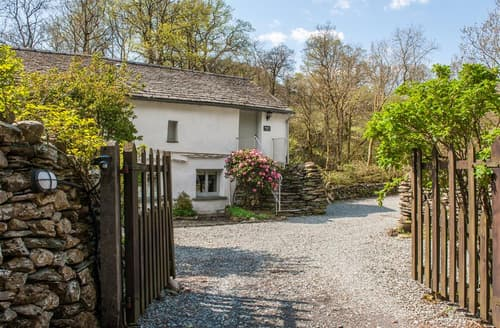 Last Minute Cottages - Charming Little Langdale Apartment S25340
