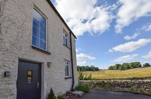Last Minute Cottages - Charming Staveley Cottage S106051