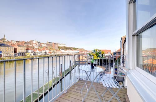 Last Minute Cottages - Harbourside Apartment 1