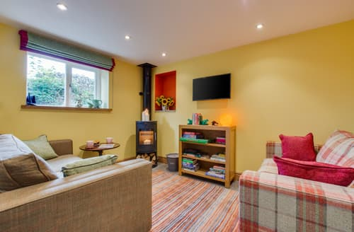 Last Minute Cottages - Frog House