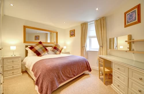 Last Minute Cottages - Excellent Whitby Apartment S94903